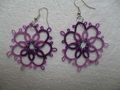 Boucles d'oreille violet en dentelle de frivolite , tatting