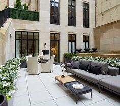 kips bay decorator showhouse 2016 The second-floor terrace by Daniel Richards Design is an urban oasis, appointed with furnishings by Walters and splashed with lacecap hydrangeas.