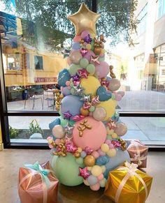 Balloon New year tree #balloons #ballooninstallation #newyear #christmas #christmastree #christmastreedecorideas #balloondecorations