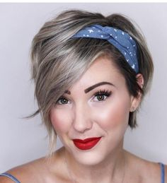 24 Gorgeous Looking Variants On How To Style A Pixie Cut is part of Short hair accessories - How to style a pixie cut We have some gorgeous ideas, different tips, and suggestions for you that will make your pixie haircut look even more creative Medium Hair Styles, Curly Hair Styles, Natural Hair Styles, Styles For Short Hair, Pixie Hairstyles, Headband Hairstyles, Bandana Hairstyles Short, Layered Hairstyles, Easy Hairstyle