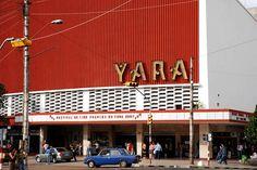 Cine Yara en el Vedado, antiguo Radio Centro. #Cuba #Havana