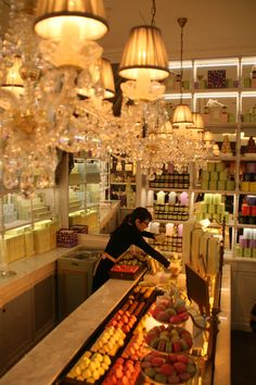 Best Macaroon's in Paris!
