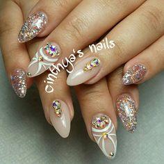 #coffinnails #ballerinanails #goldnails #24k  #cinthyasnails #ombrenails #badassnails #cutenails #jeffreestar #riri #dope #dopenails #fallnails #glitter #glitternails #fab #fabnails  #nailsonfleek #dopenails #nailsonpoint #bestnails
