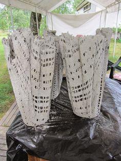 Näpertelijä: Betonista ruukkuja.....