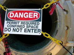 Confined space training helps guarantee that employees understand how to properly and safely operate in these types of environments and know of all of the possible dangers and therefore are properly prepared for potential mishaps. Online Safety Training, Safety Courses, Confined Space, Workplace Safety, Emergency Response, Warning Signs, Training Courses, Health And Safety, Need To Know