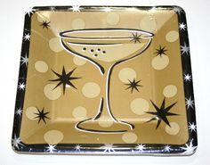 8 piattini quadrati in cartoncino color oro e nero deco Calice. Cm.18,5x18,5. usa e getta. A Tavola o per un Buffet. per tutte le occasioni da festeggiare, anche a Natale e Capodanno. Disponibili da C&C Creations Store