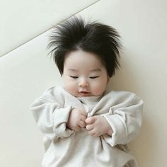 Find images and videos about cute, baby and asian baby on We Heart It - the app to get lost in what you love. Cute Baby Boy, Cute Little Baby, Little Babies, Cute Kids, Baby Kids, Cute Asian Babies, Korean Babies, Asian Kids, Cute Babies