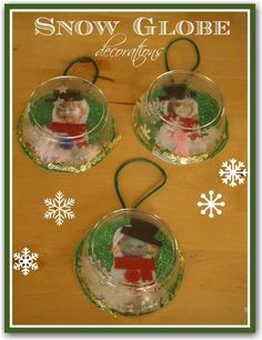 Christmas snow globe decorations. Great for parent presents or classroom decorations. (Repinned by Super Simple Songs)