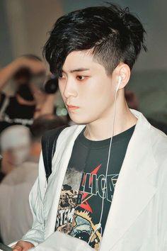 Taeyong sudah lama menjadi model lukisan Johnny meski wajahnya tak pe… #fanfiction # Fanfiction # amreading # books # wattpad
