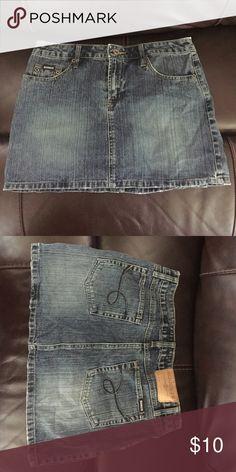 Jean skirt Cute jean skirt, never worn. Squeeze  Skirts Midi