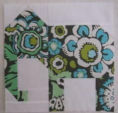 Quilting Blog - Cactus Needle Quilts, Fabric and More: Elephant Quilt Block  (http://www.milkandhoneyquilts.com/2009/03/free-pattern-elephant-baby-quilt-block.html original pattern) Animal Quilts, Square Quilt, Pattern Blocks, Baby Quilts, Dog Quilts, Mini Quilts, Zebra Quilt Patterns, Paper Piecing Patterns, Quilt Block Patterns