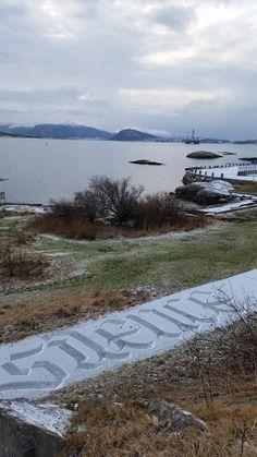https://www.behance.net/gallery/14412147/snow-calligraphy-project