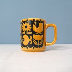 Vintage Mod Mug in the Style of John Clappison for Hornsea of England.