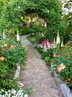 15 Awesome Gardens Ideas. Wonderful garden design.  http://www.annabelchaffer.com/
