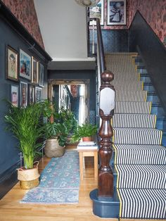 Should I Add a Carpet or Rug Runner to My Mountain House Staircase? – [pin_pinter_full_name] Should I Add a Carpet or Rug Runner to My Mountain House Staircase? Black and White stair runner w… Staircase Runner, House Staircase, Staircase Design, Stair Runners, Stairs With Carpet Runner, Stair Runner Rods, Craftsman Staircase, Staircase Storage, White Staircase