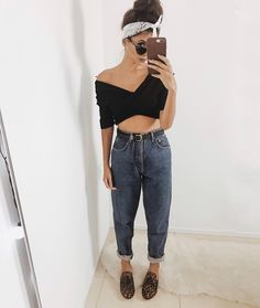 Mom Jeans. Instagram: @viihrocha