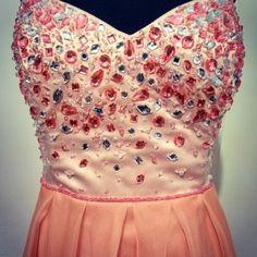 Corset con lluvia de gemas     Prom dress handmade embroidery Blouse, Tops, Women, Fashion, Vestidos, Bugle Beads, Sequins, Rain, Gems