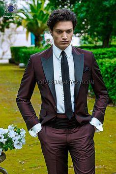 Traje de novio italiano a medida en tejido efecto lurex granate con solapas de raso negro, 1113 Ottavio Nuccio Gala colección Fashion 2015.