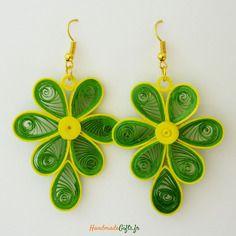 Boucles d'oreilles colorés selon technique du quilling design originales