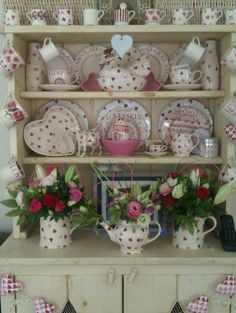 A Shabby Chic Living Room – Decorating On a Budget – Shabby Chic Talk Cocina Shabby Chic, Modern Shabby Chic, Estilo Shabby Chic, Shabby Chic Living Room, Shabby Chic Kitchen, Shabby Chic Homes, Shabby Chic Style, Shabby Chic Furniture, Shabby Chic Decor