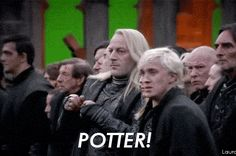 Malfoy Terrorizing Malfoy gets me everytime. This is when the non readers of the HP fandom realizes what exactly Draco goes through at home. Gah the feels Draco Malfoy REJECTING THE DARK SIDE and throwing Harry his wand before his showdown with Voldemort. Harry Potter World, Mundo Harry Potter, Harry Potter Love, Harry Potter Fandom, Harry Potter Memes, Potter Facts, Funny Harry Potter Pics, Harry Potter Parents, Harry Potter Jokes