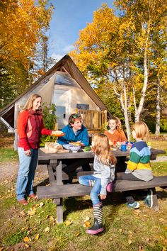 Camping d'automne dans le parc national Forillon. Photo : Roger St-Laurent, photographe Quebec, Bas Saint Laurent, Ski Touring, Parks Canada, Stay Overnight, Natural Playground, Excursion, Kayak, Us National Parks