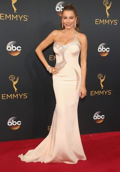 Sofia Vergara had everyone's eyes with the beautiful, form-fitting Atelier gown with Lorraine Schwartz jewelry -- see the best styles from the Emmy's 2016 red carpet!