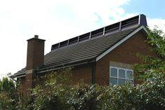 Deze windmolen in de nok van uw dak wekt eigen energie op. | Innovatief.be