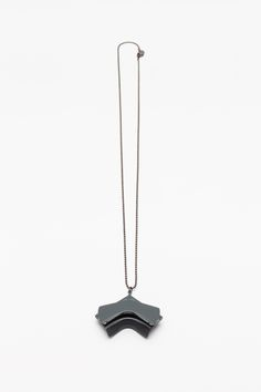 Unlimited Collection / 2015 Edition / dark gray necklace Photo: Tamás Sándor Kovács