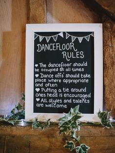 Blackboard frames. DIY wedding ideas for lazy brides #easy #DIY #weddingideas