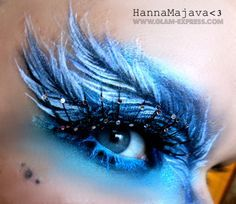 Feather Eye Makeup Tutorial - Glam Express I will never have a reason to do this, but it looks so cool!