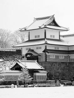 Kanazawa Castle in snow, Japan 金沢城