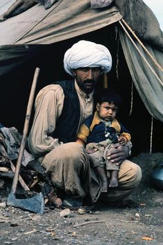 noukadubi: Refugees in Pakistan 1984 Steve McCurry