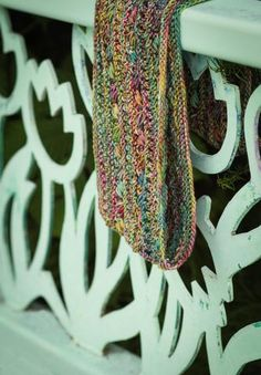 Great Variegated yarn pattern, LOVE IT! Worsted weight infinity scarf with slipped stitches and easy lace, addictive knit! Titania's garland knitting pattern.