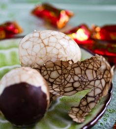 Chinese Marbled Tea Eggs ~ We made these for CNY and while the flavor was strong for us, the house smelled amazing. They were fun and so pretty!  http://steamykitchen.com/2147-chinese-tea-eggs-recipe.html