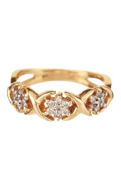 10K Yellow Gold Diamond Flower Ring    (I'd prefer it in white gold though)_