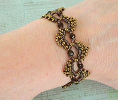 Linda's Crafty Inspirations: Free Beading Pattern: Dime Store Bracelet