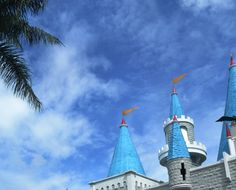 a blue sky on head castle.