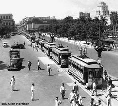THE TRAMWAYS OF CUBA 1930's Tram line up on Calzada de la Reina Havanna (today Simon Bolivar)