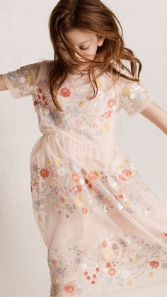 Shop kids clothing and baby clothes at H&M – We offer a wide selection of children's clothing at the best price. H&m Kids, Cute Kids, Baby Kids, Dapper Suits, Fun Loving, Occasion Wear, Child Models, Online Shopping Clothes, Kids Wear