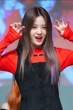 "ً on Twitter: ""➯ #⃞장규리> #⃞프로미스나인 ♥ — © TENDER POET… "" Kpop Girl Groups, Korean Girl Groups, Kpop Girls, Lee Seo Yeon, Pre Debut, South Korean Girls, Yuri, My Girl, Idol"