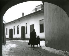 Roman Vishniac Father taking his son to the first day of cheder (Jewish elementary school), Mukacevo, 1937-38