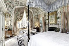 This would be my bedroom in my country estate in England :)
