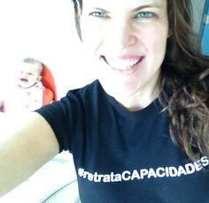 La preciosa Anabella Troconis, conocida actriz venezolana, hija de nuestra también querida María Luz Neri de Troconis, Directora General de Socieven (punto de referencia en la atención a la persona sordociega en nuestro país), nos regala esta hermosa foto y se suma como embajadora de nuestro concurso.    ¡Gracias, Anabella, por compartir esta foto donde te acompaña tu hijita Alana! ¡Qué bellas embajadoras!