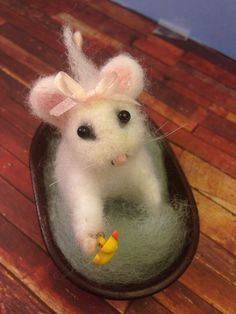 Needle felted mouse, OOAK, Artist Mouse, White Mouse, Unique Gift, Christmas gift Idea by weewooleybeasties on Etsy