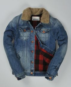 Men's Superdry Standard Blue Jean Woodsman jacket. Classic faded denim jacket with removable fleece collar and warm check lining.
