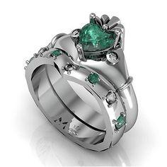 Ladies Green & White CZ Claddagh Wedding Ring Set