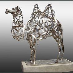 Creative, figurative sculptures of modern day