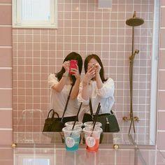 Ulzzang Korea, Korean Ulzzang, Ulzzang Girl, Ulzzang Couple, Aesthetic Korea, Couple Aesthetic, Aesthetic Girl, Bff Pictures, Best Friend Pictures