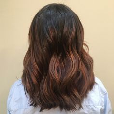 Texturized haircut choppy with balayage hair color dark roots copper hand painted highlights brunette medium length hair layers